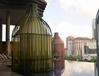 ParkRoyal.pool